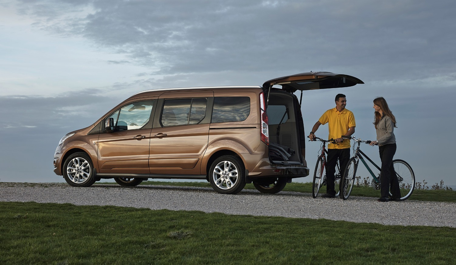 Ford Grand Tourneo Connect 7 Sitzer Autos